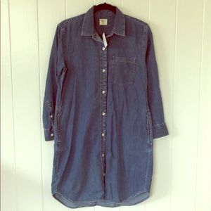 Dresses & Skirts - Brand New Gap Denim Shirt Dress with pockets.
